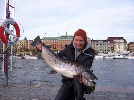 Big trout at about 9.5 kg, caught in stockholm stream